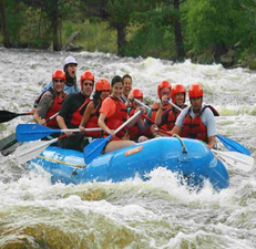 1386857373_rafting_trip_in_colorado_with_american_round-up.jpg