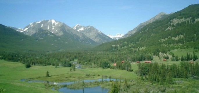 Montana guest ranch near yellowstone fantastic wildlife and location